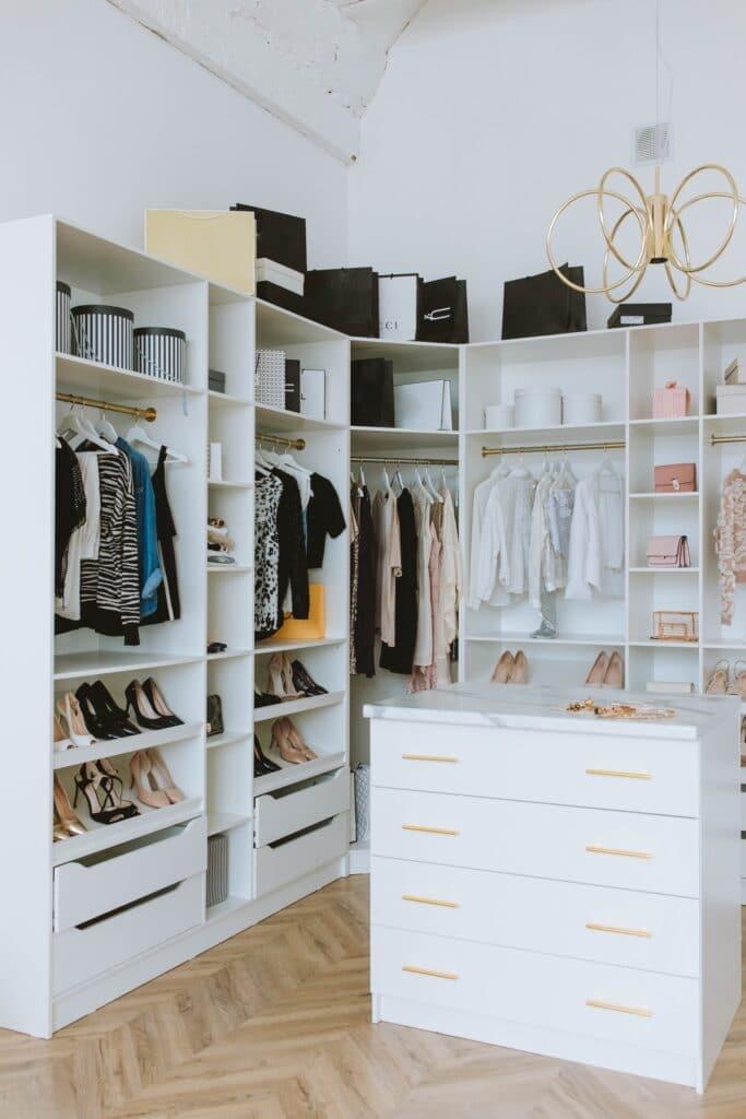 closet lighting aesthetic