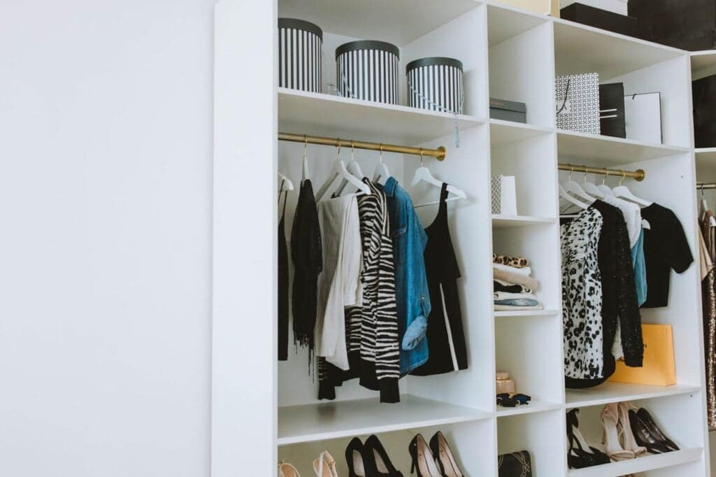 how much does custom closet add value