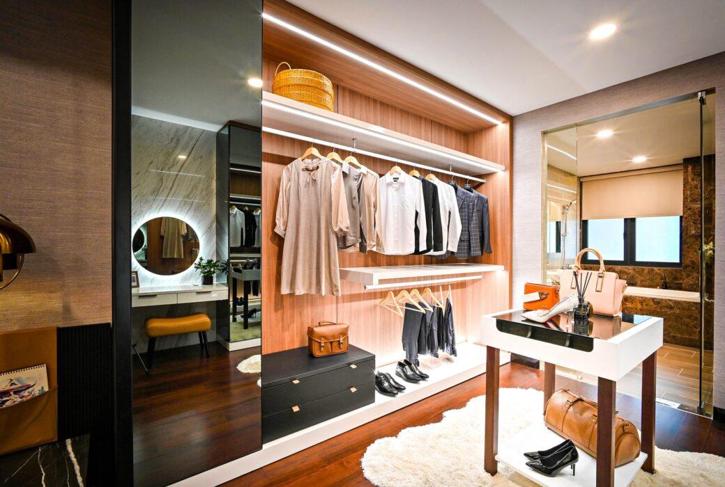 13 Top Walk-in Closet Design Ideas For Your Master Bedroom